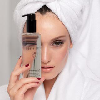 Bobbi Brown, scopriamo i prodotti top per viso e skincare