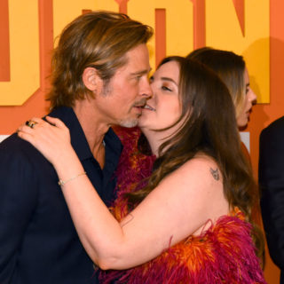 Lena Dunham e quel bacio rubato a Brad Pitt