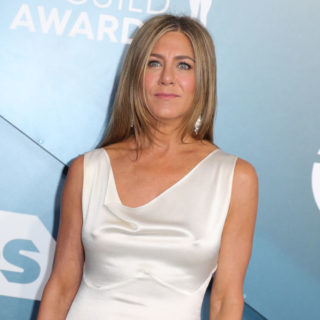 Jennifer Aniston indossa ancora l'anello regalatole da Brad