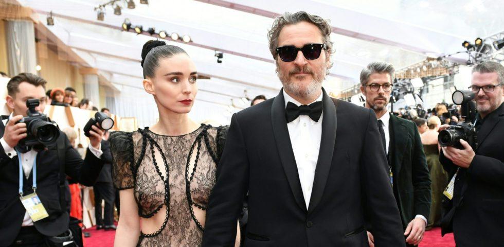 Joaquin Phoenix presto papà: Rooney Mara aspetta il primo figlio