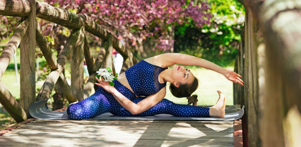 Abbigliamento yoga: i pantaloni e top più comodi