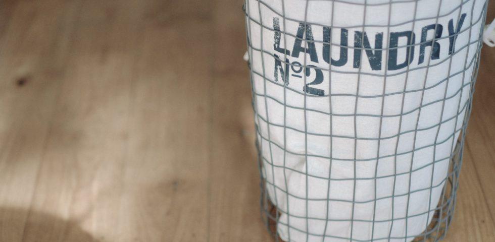 I simboli per il lavaggio: guida rapida alle etichette dei vestiti