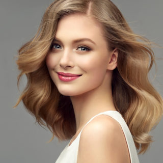 Hair gloss, il segreto per capelli lucidi e brillanti