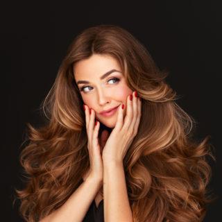 Beauty Alert: capelli lunghi, colori e tagli hot!