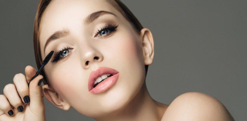 Mascara allungante: la classifica dei migliori