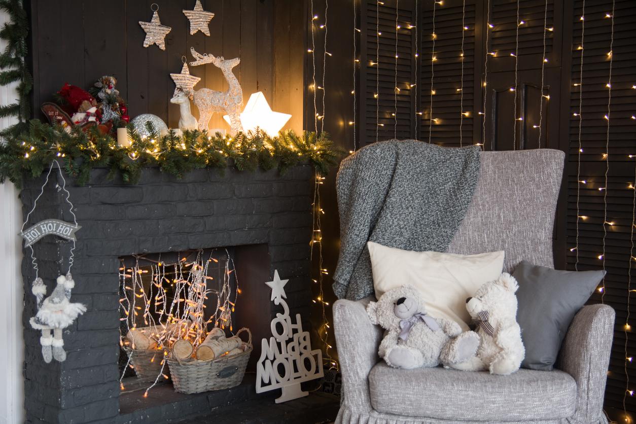 Molto Addobbi natalizi per camini: idee (moderne e tradizionali)   DireDonna DA58