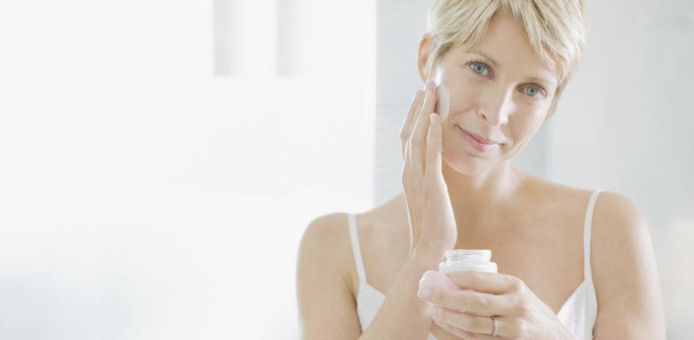 Le migliori creme viso da usare in menopausa