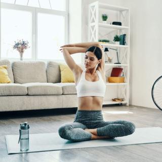 Stretching mattutino per risvegliare il corpo (e mente)