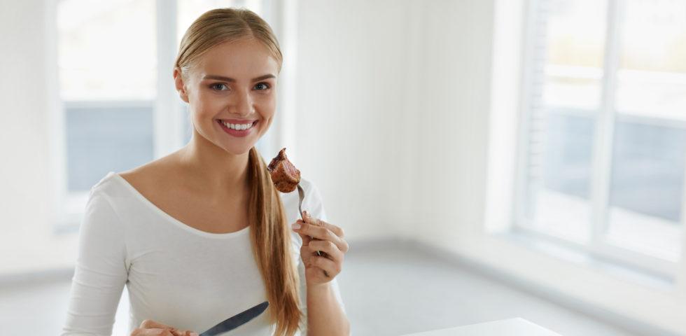 Dieta proteica, cosa mangiare per dimagrire in modo duraturo (e in salute)