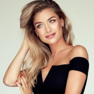 Beauty Alert: capelli castani, come schiarirli?