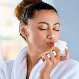 Batteri buoni per la pelle: i pre/probiotici per la skincare