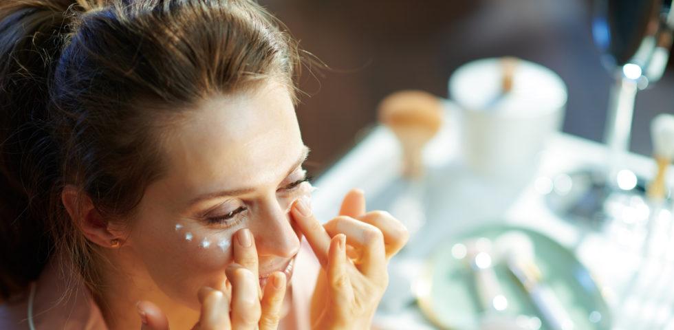 Crema contorno occhi alla caffeina (sgonfiante e anti occhiaie)