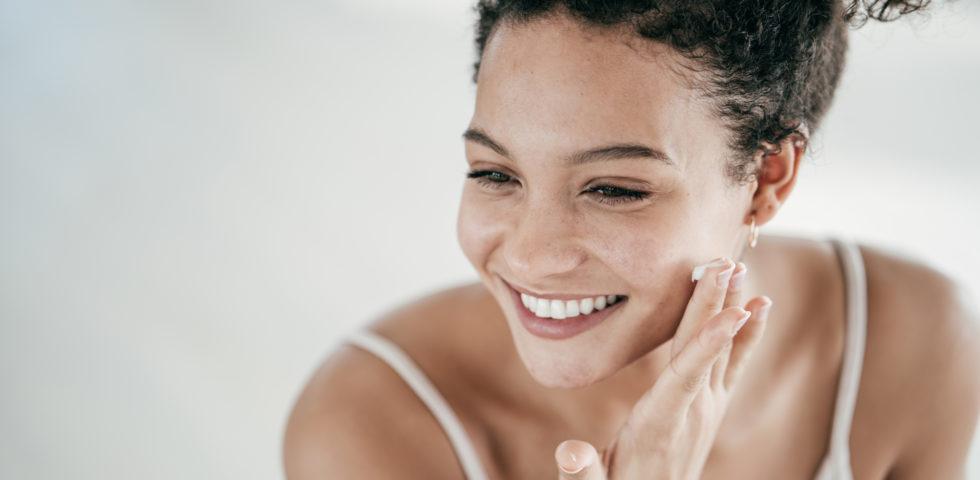 Waterless beauty: perché i cosmetici senza acqua sono la tendenza 2021