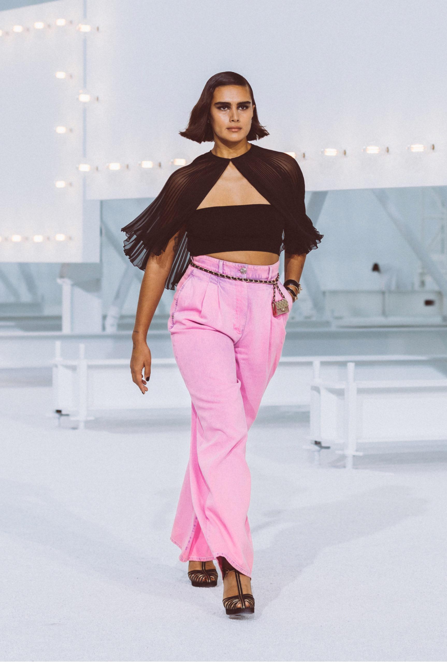 pantaloni rosa chanel