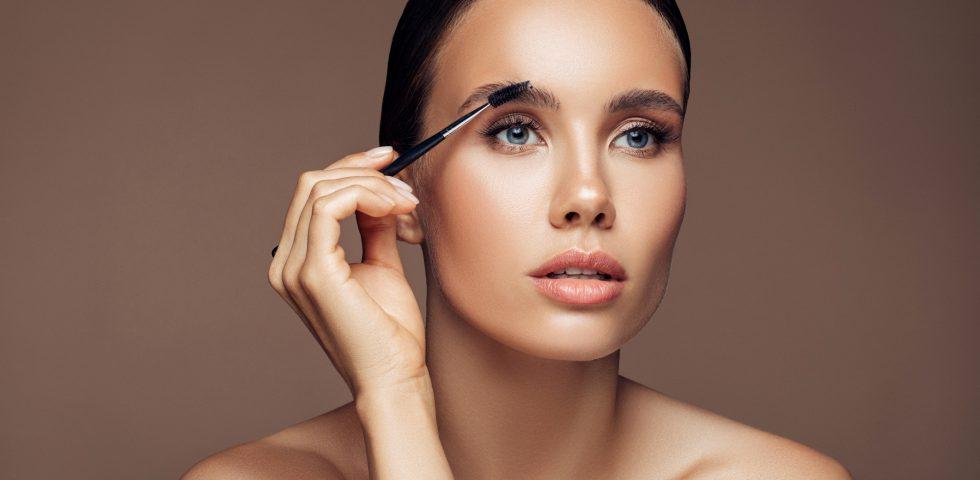 Mascara trasparente: a cosa serve, quale scegliere e i tip per usarlo