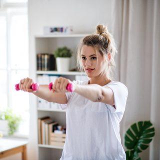 Braccia toniche (a tutte le età): gli esercizi da fare