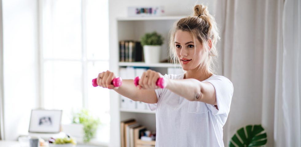 I migliori esercizi per tonificare le braccia (per tutte le età)