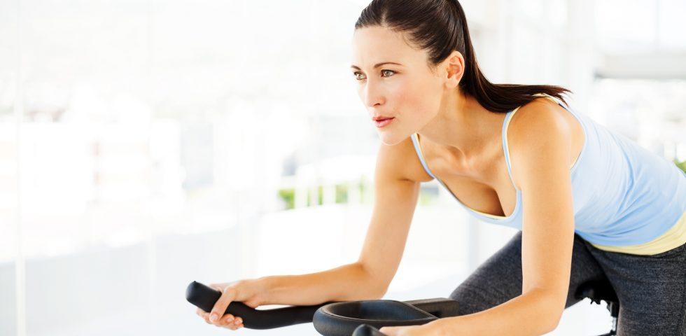 Dimagrire con la cyclette, i consigli per perdere peso a casa