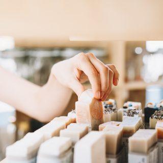 Cosmetici zero waste, la cosmetica senza plastica