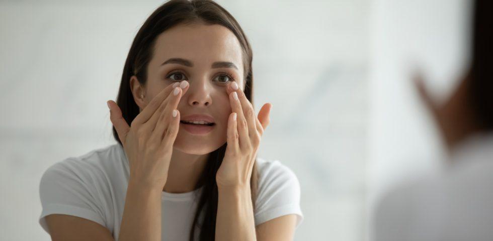 """Glass skin: come ricreare la routine coreana per una """"pelle a specchio"""""""