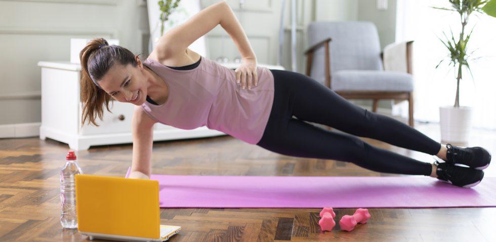 Bodyweight, l'allenamento a corpo libero (ad alta intensità) da fare a casa propria