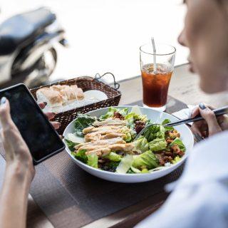 Pranzo fuori casa? I consigli per mangiare bene