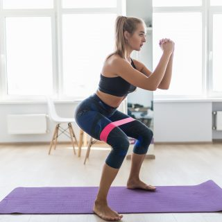 Esercizi per rassodare le gambe (a casa e in palestra)