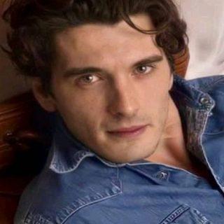Chi è Yon Gonzalez, Julio Olmedo della serie tv Grand Hotel