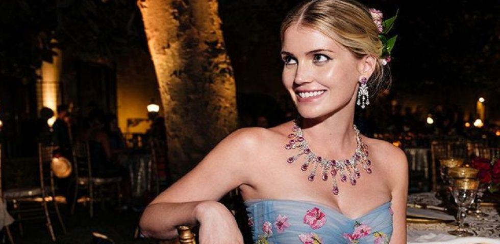 Gli abiti da sposa di Kitty Spencer, nipote di Lady Diana, sono pura meraviglia