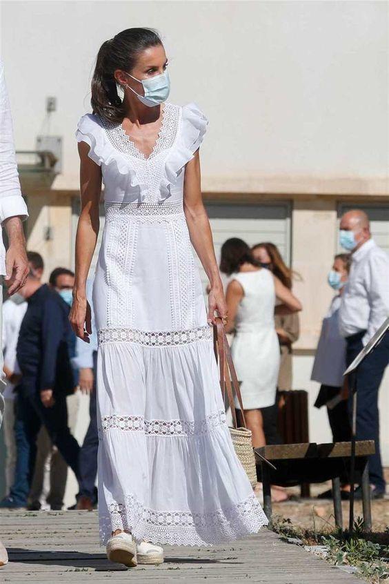 Letizia Ortiz Vestito pizzo bianco