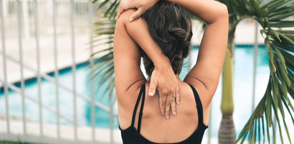 Esercizi per il mal di schiena, i movimenti che aiutano a ritrovare il benessere