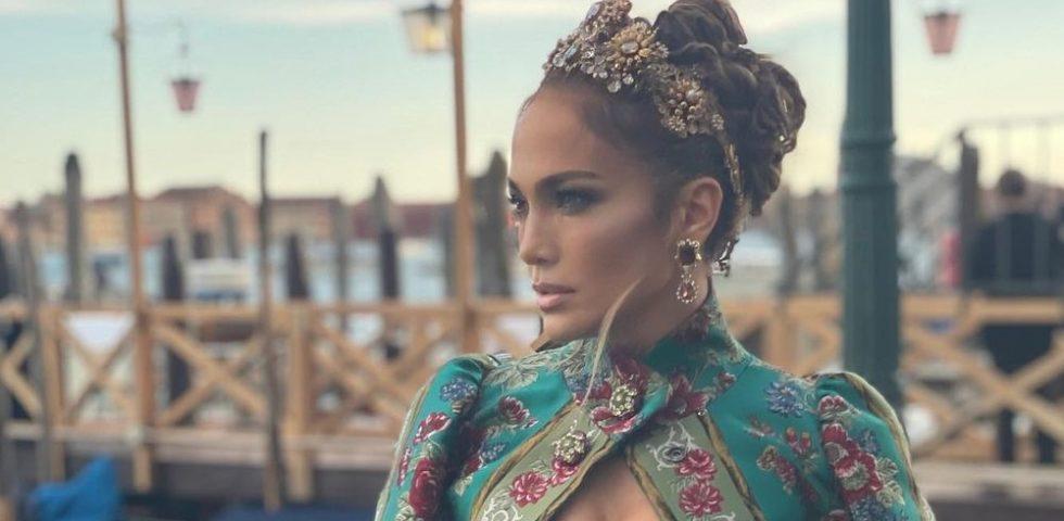 L'incantesimo di Jennifer Lopez (in Dolce&Gabbana)