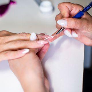 Tutto sulla ricostruzione unghie con tip