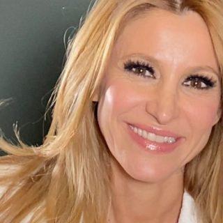 Adriana Volpe, dalla lite con Magalli al Gf Vip: tutto sulla nuova opinionista
