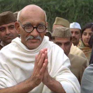 La storia di Gandhi, protagonista del biopic in onda su La7