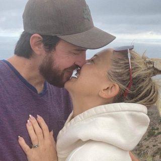 Kate Hudson ha detto sì: matrimonio in vista con Danny Fujikawa