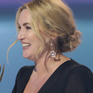 Emmy Awards 2021: The Crown e Ted Lasso trionfano, a sorpresa anche Kate Winslet