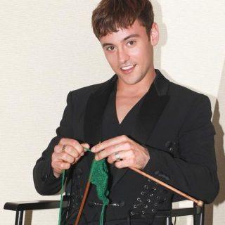 Il lavoro a maglia è roba da campione olimpico, parola di Tom Daley