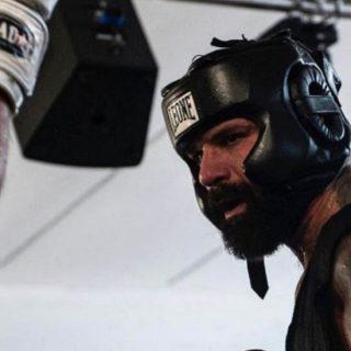 Alessio Sakara, un lottatore alla conduzione di Tu Sì Que Vales