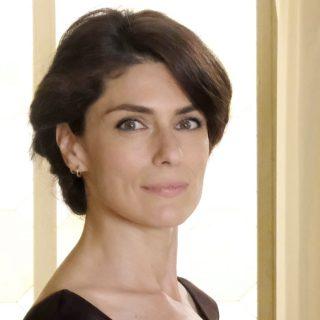 Cinque cose che non sai su Anna Valle, protagonista di Luce dei tuoi occhi