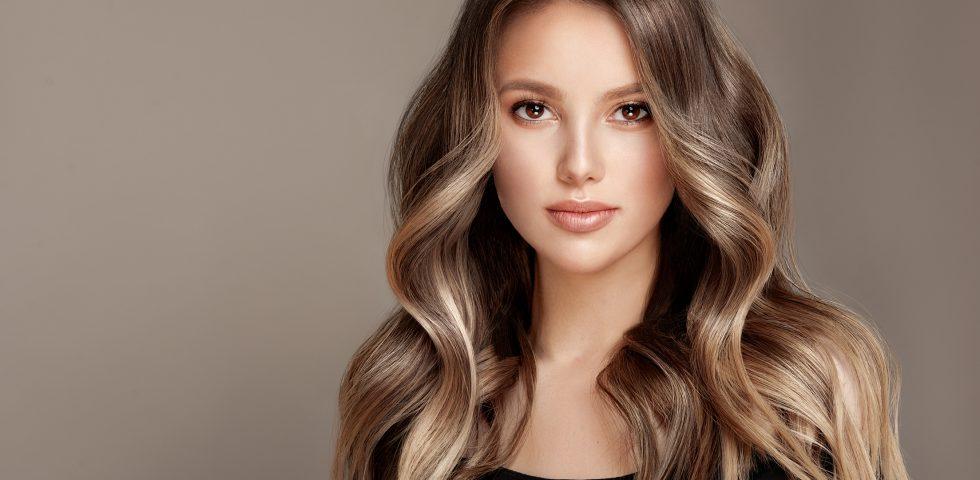 Come funziona l'acido ialuronico per capelli e i prodotti migliori