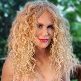 Permanente capelli, il ritorno delle teste curly