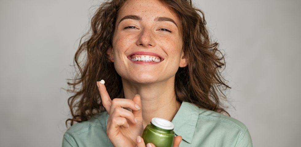 Cosmetica: ingredienti e trend 2022 all'insegna del green e della sostenibilità