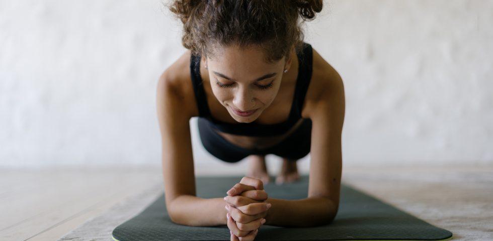Esercizi isometrici, la ginnastica dolce che rafforza la muscolatura