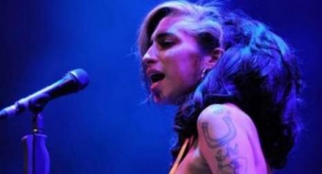 Amy Winehouse ubriaca a Belgrado 2