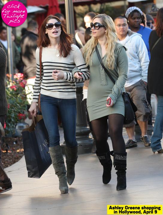 Ashley Greene shopping a Los Angeles 2