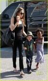 Angelina con Shiloh e Zahara