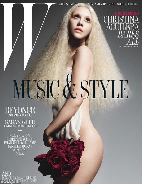 Christina Aguilera su W 8