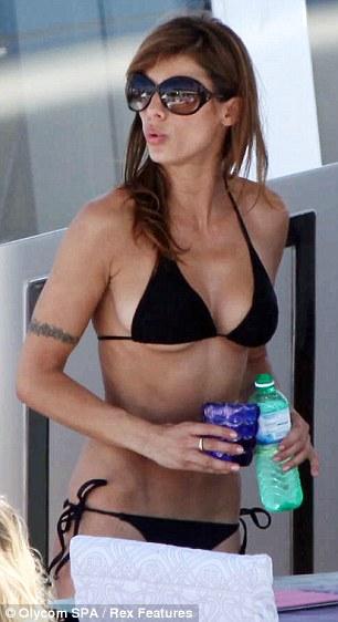 Elisabetta Canalis a Cannes 2