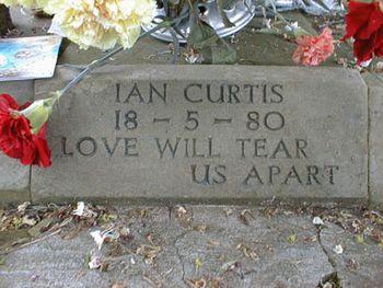 Ian Curtis dei Joy Division 2